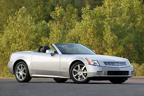 The 2008 Cadillac XLR is equipped with a 320-horsepower, 4.6-liter Northstar V8 engine, 6-speed automatic transmission