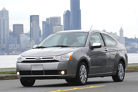 2008 Ford Focus exterior.