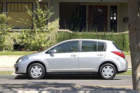 2008 Nissan Versa S Hatchback