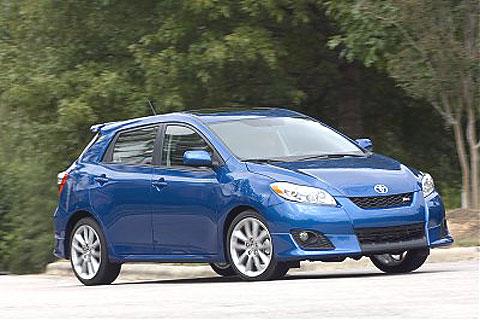 Toyota Matrix (corolla). 2009 Toyota Matrix versus 2008