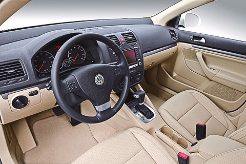 Overall, the Jetta has an elegant finish, with its great fit and materials making it much more refined than its Asian competitors.